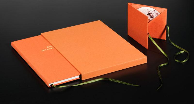 Privatbiografie Leinen mit Schuber und CD-Mappe